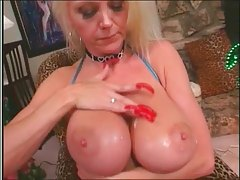 Hot Busty Mature Lori Pleasure