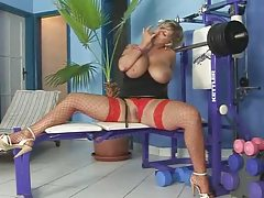 Super Blonde Fuck's In Gym