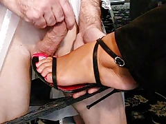 Cumming on feet with high heels