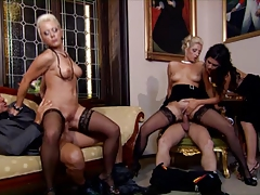 Orgy with 3 hot women party gone wild