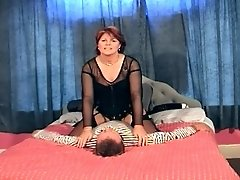 Big Butt Mature Facesits And Orgasms From Pussy Tasting