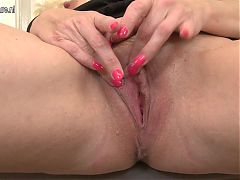 Sexy Milf And Wife Playing With Her Wet Pussy