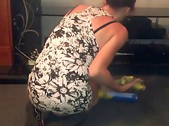Uspskirt Wife Cleaning