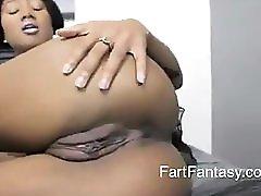 Evani Farting
