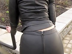 Leather Eva Out For A Stroll In My New Leather Leggings 3