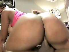 Codi Bryant Booty Clapping