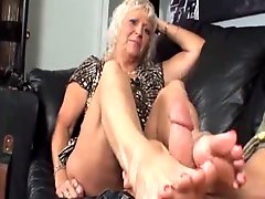 Real Hot Not Mom Learns Fj From Not Son