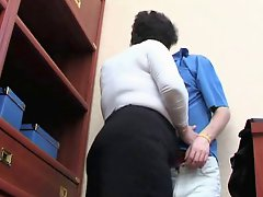 A Brunette Shorthair Bbw Milf Fucked By Young Guy 2