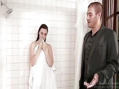 Sister Boyfriend Fuck Elder Sister In Shower