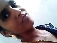 Tamil Neighbor Aunty Boobs & Chut Captured By Bf
