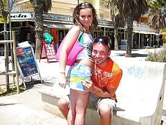Die Kleine Strandschlampe Auf Mallorca