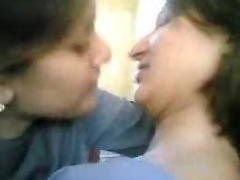 Pakistani college lesbians