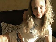 3 00a teenage girl is 2012 10 08